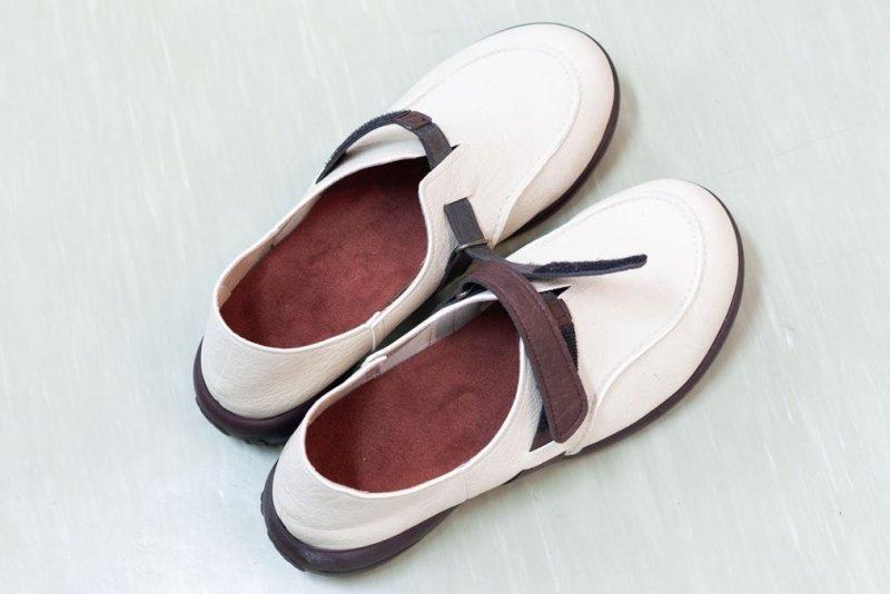 オーダーメイドインソールを靴に設置