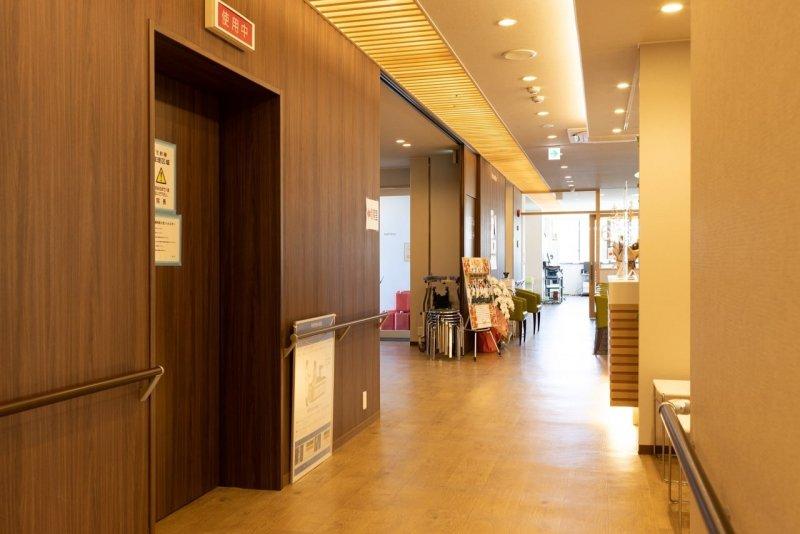 愛知県一宮市の森整形外科の待合室