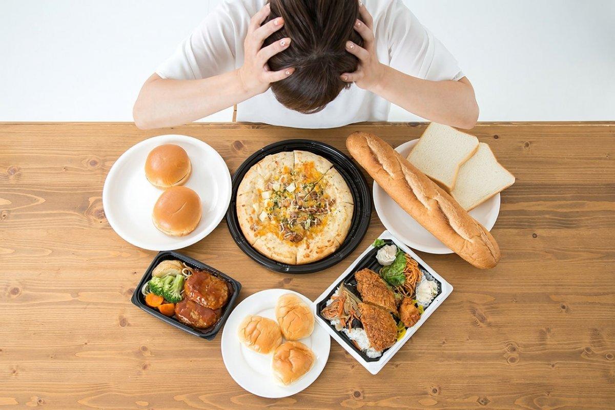 一宮市森整形外科の記事「空腹こそ最強のクスリ」の食べ過ぎのイメージ写真