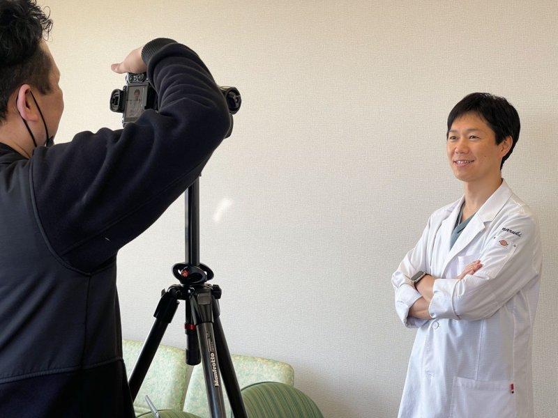 一宮市森整形外科 院長の松村成毅の撮影風景